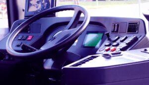 autobus-vozač-volan