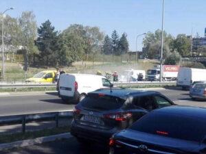 zapalio-se-automobil-na-novom-beogradu