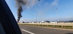 gori-auto-požar-autoput
